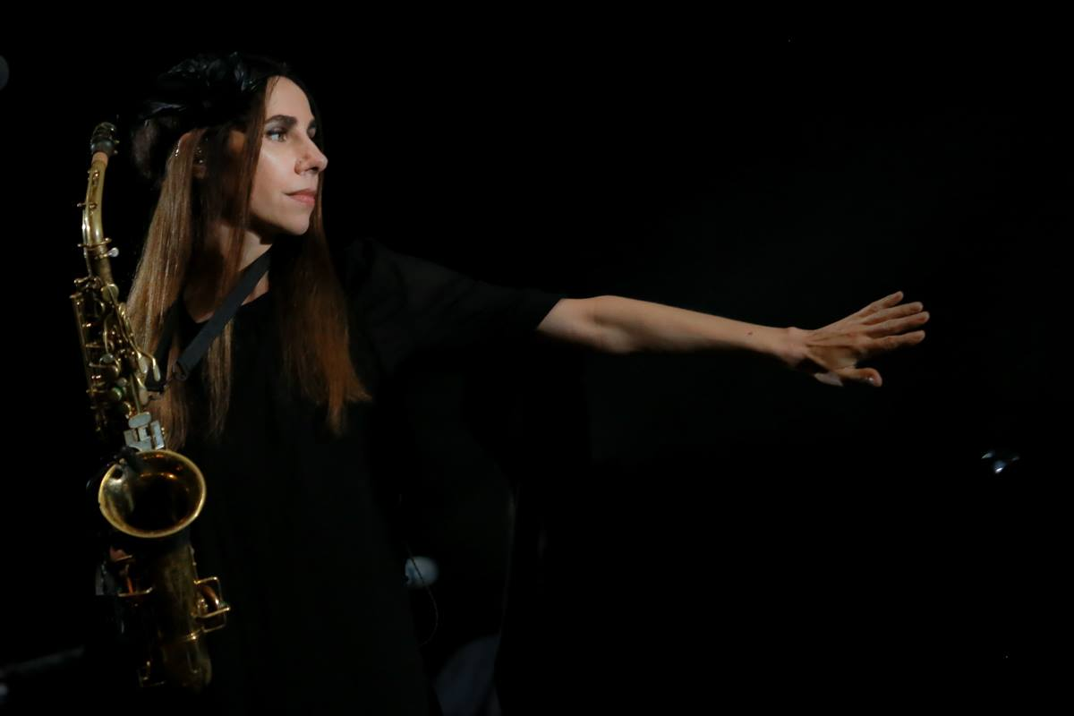 image for article PJ Harvey Plans 2017 Tour Dates: Ticket On-Sale and Presale Code Info