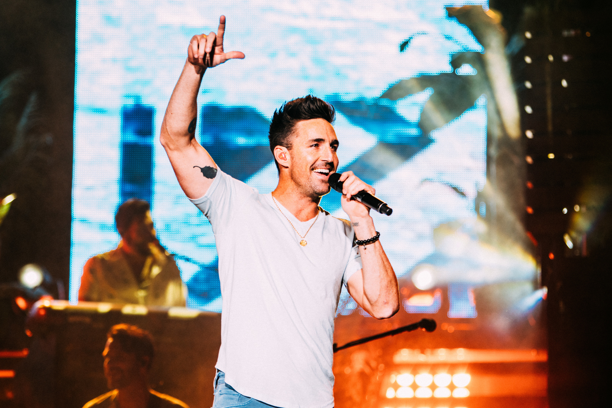 image for event SATURDAY Tri State Rodeo and Jake Owen