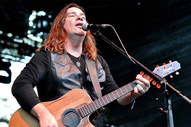 image for event Alan Doyle and Fortunate Ones