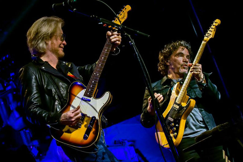 Hall And Oates Tour 2020.Hall Oates Set 2020 Tour Dates Ticket Presale Code On