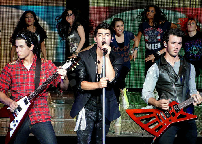 image for artist Jonas Brothers