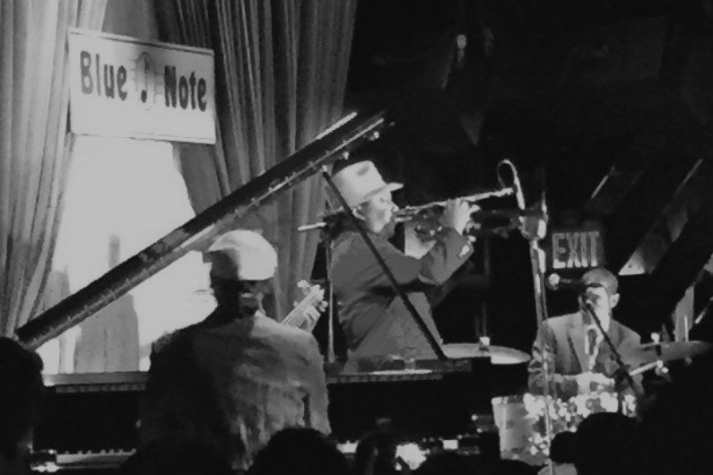 image for article Kermit Ruffins & The Barbecue Swingers Let Loose At The Blue Note in New York City