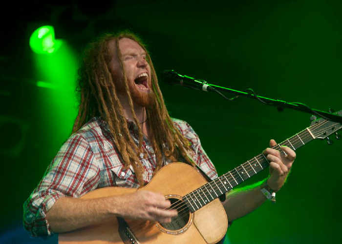 image for artist newton faulkner