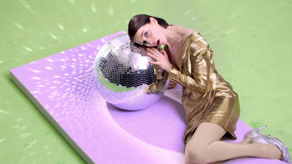 "image for article ""New York"" - St. Vincent [YouTube Music Video]"